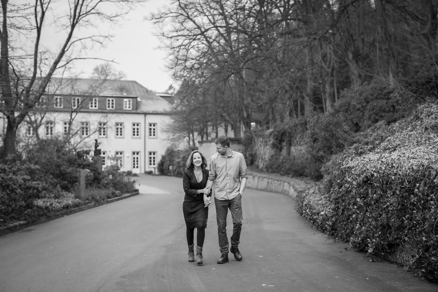 Verlobungsshooting-Hochzeitsfotografie-Hochzeitsfotograf-Hochzeitsfotografin-Maria-Laach