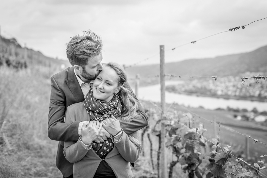 Loveshoot-Hochzeitsfotograf-Fotografin-Paarfotografie-Winningen-Mosel